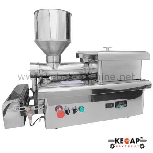 Automatic kebab skewering machine